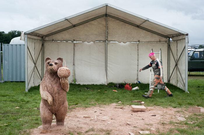 Bear and bomb, Cheshire