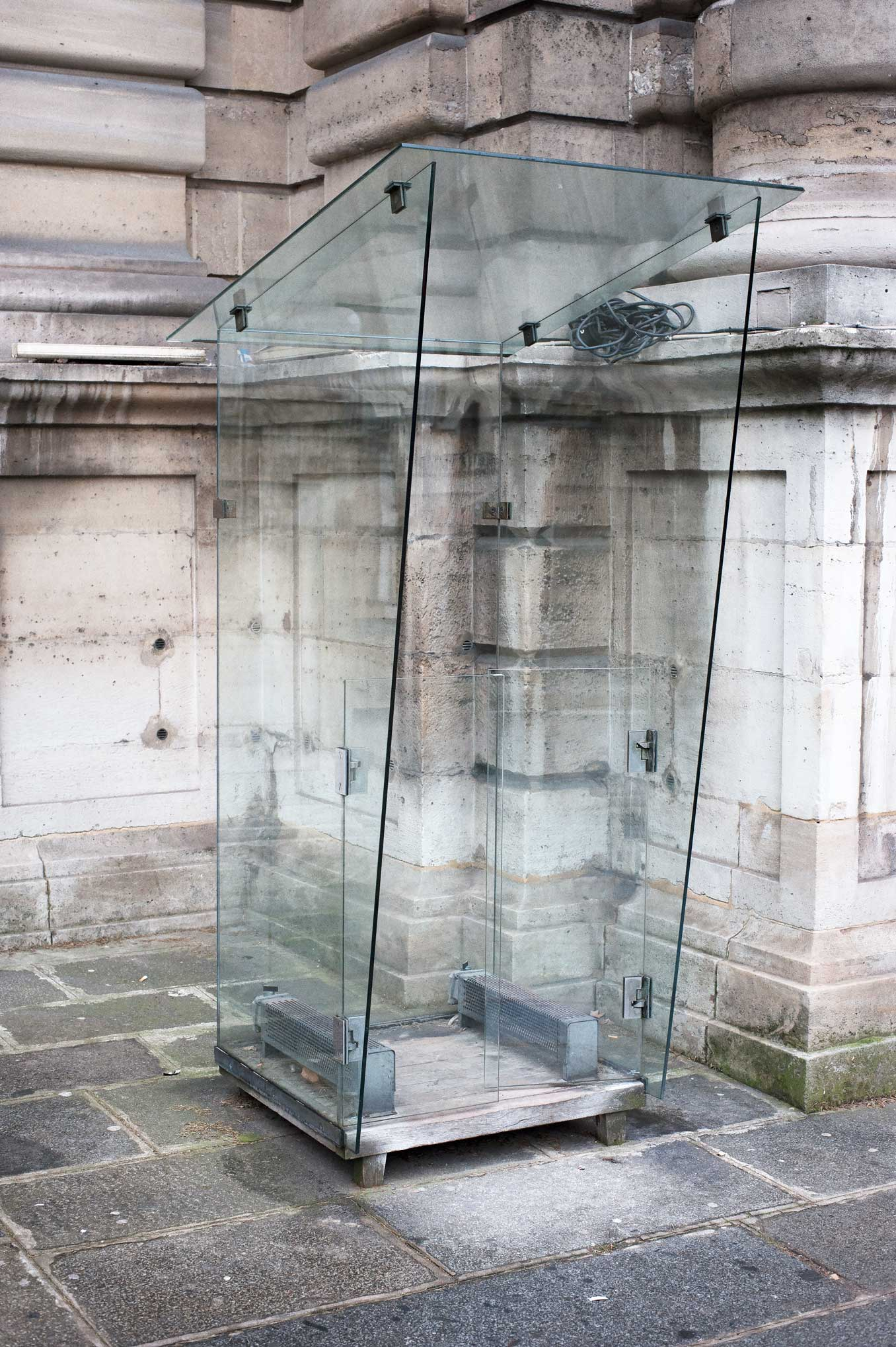 Glass Booth Paris
